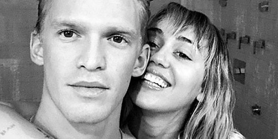 "Miley Cyrus, Cody Simpson ""Doing Well,"" Do Thanksgiving Together"